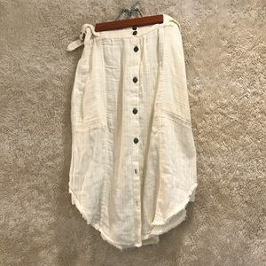 Free people skirt with detail and pockets